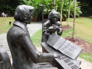Chopin and a lady presented by the people of Poland, to Singapore. Malcolm in the distance resting that knee!